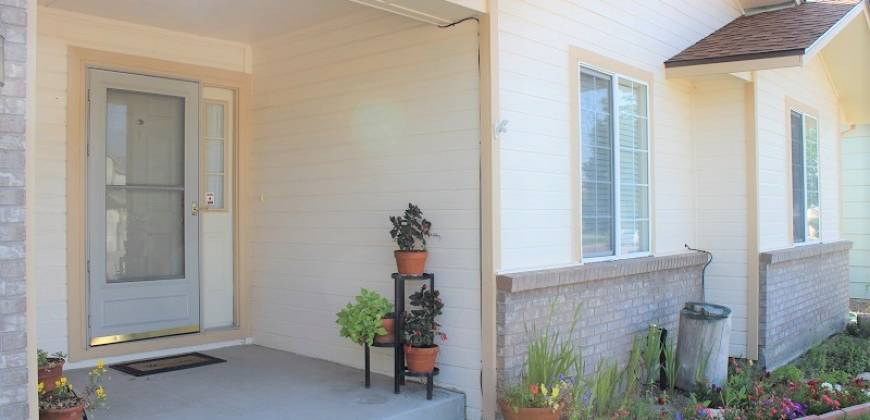 Beautiful and Move in Ready Rancher!