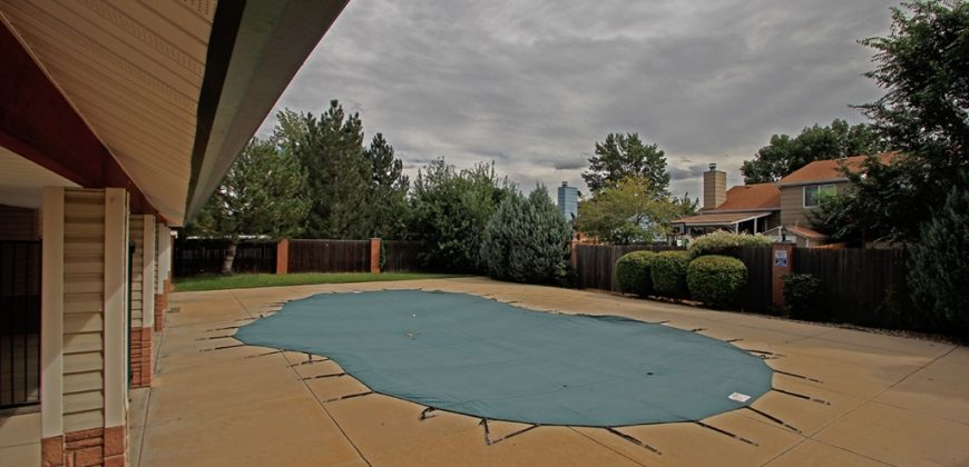 Gorgeous Condo close to Ft. Carson, Downtown, & World Arena