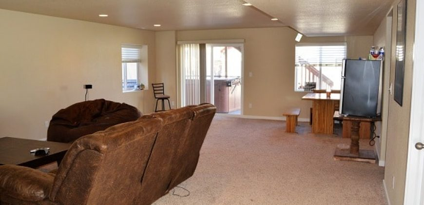 Large & Luxurious Home Available Now!!!!