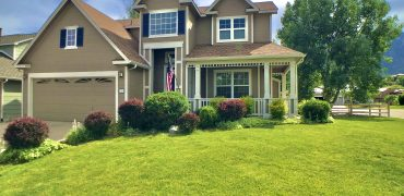 Gorgeous 2 Story Home in the Broadmoor Glen