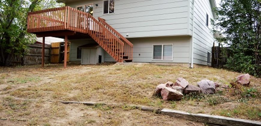 Gorgeous Bi-level home in Bradley Ranch