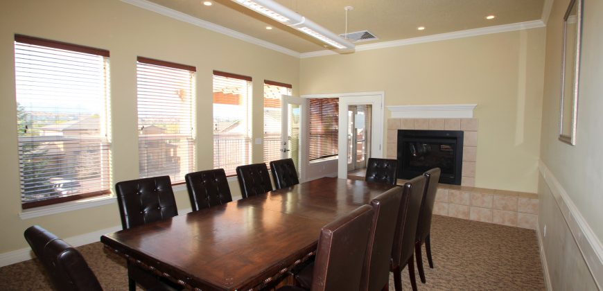 Beautiful Ground Level Condo for Rent in Gated Villa Mirage!