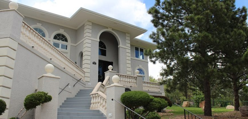 Gorgeous Home in the Broadmoor!